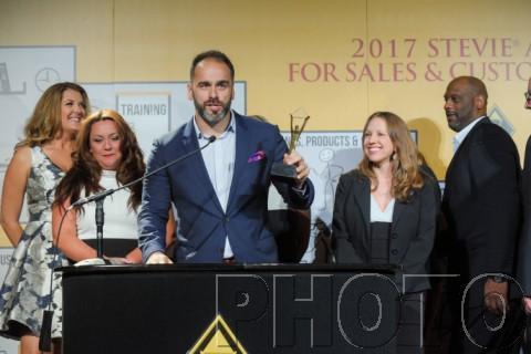 내년 2월 23일 라스베이거스의 시저스 팰리스 호텔에서 열리는 시상식에서 스티비 금상, 은상, 동상 수상자가 발표된다